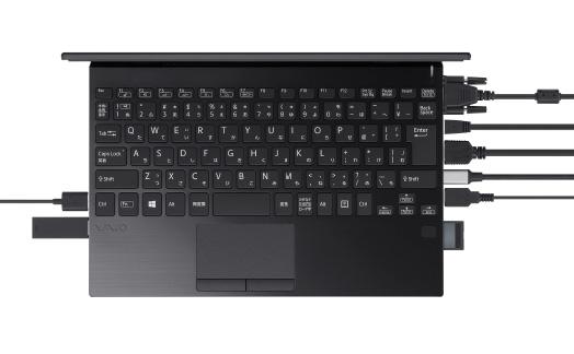 حاسب VAIO SX12 هو كمبيوتر محمول مدمج به مجموعة متنوعة من المنافذ 1