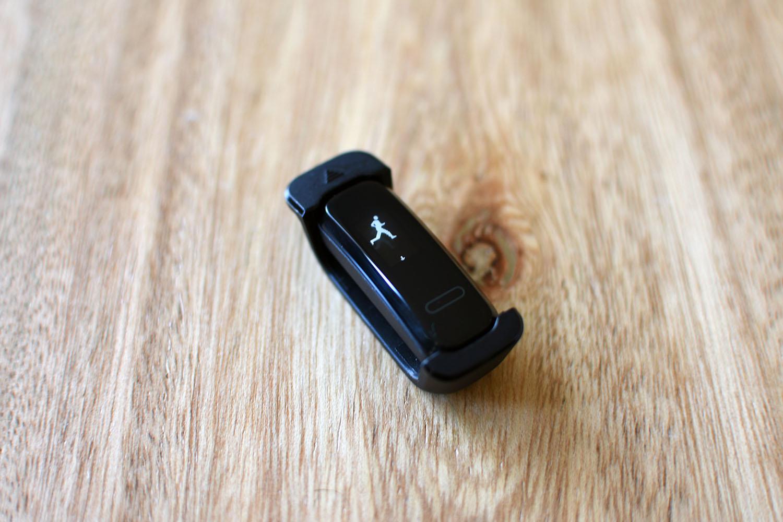 أهم 5 ميزات من Huawei Band 3e: رخيصة ومختصة بشكل مثير للصدمة 1