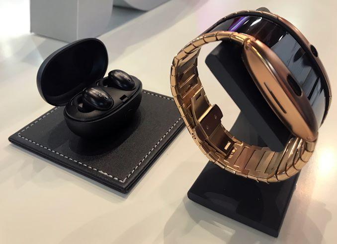 الهاتف الذكي OLED الذي يمكن ارتداؤه في متناول اليد بالقرب منك 1