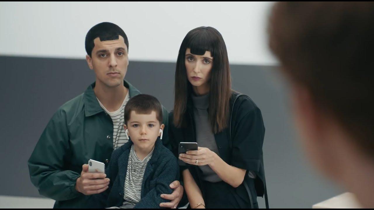 تقوم سامسونج بحذف الإعلانات التي تسخر من جهاز iPhone. السبب؟ اليوم هم مباراة Galaxy Note10 1