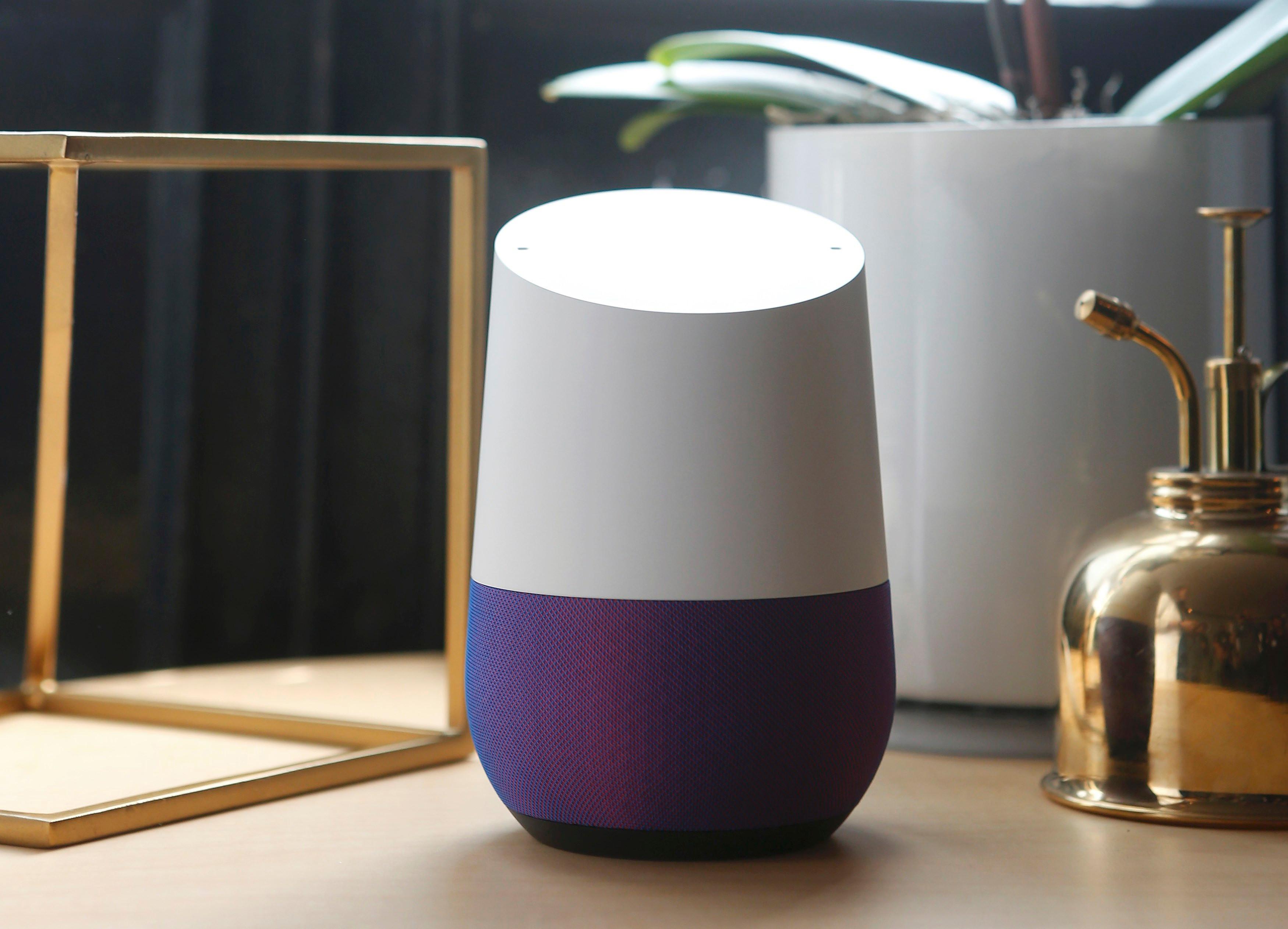 تُسمى هذه الأداة الذكية ذات المظهر البريء صفحة Google الرئيسية وتستمع دائمًا إلى طلبات مالكها