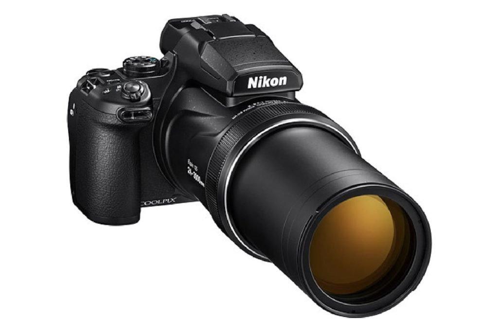 ما هو أفضل كاميرا السفر 2019 - نيكون COOLPIX P1000 01