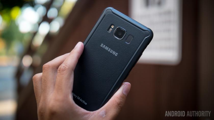 تسرب: قد تعيد Samsung خطها النشط smartphones 1