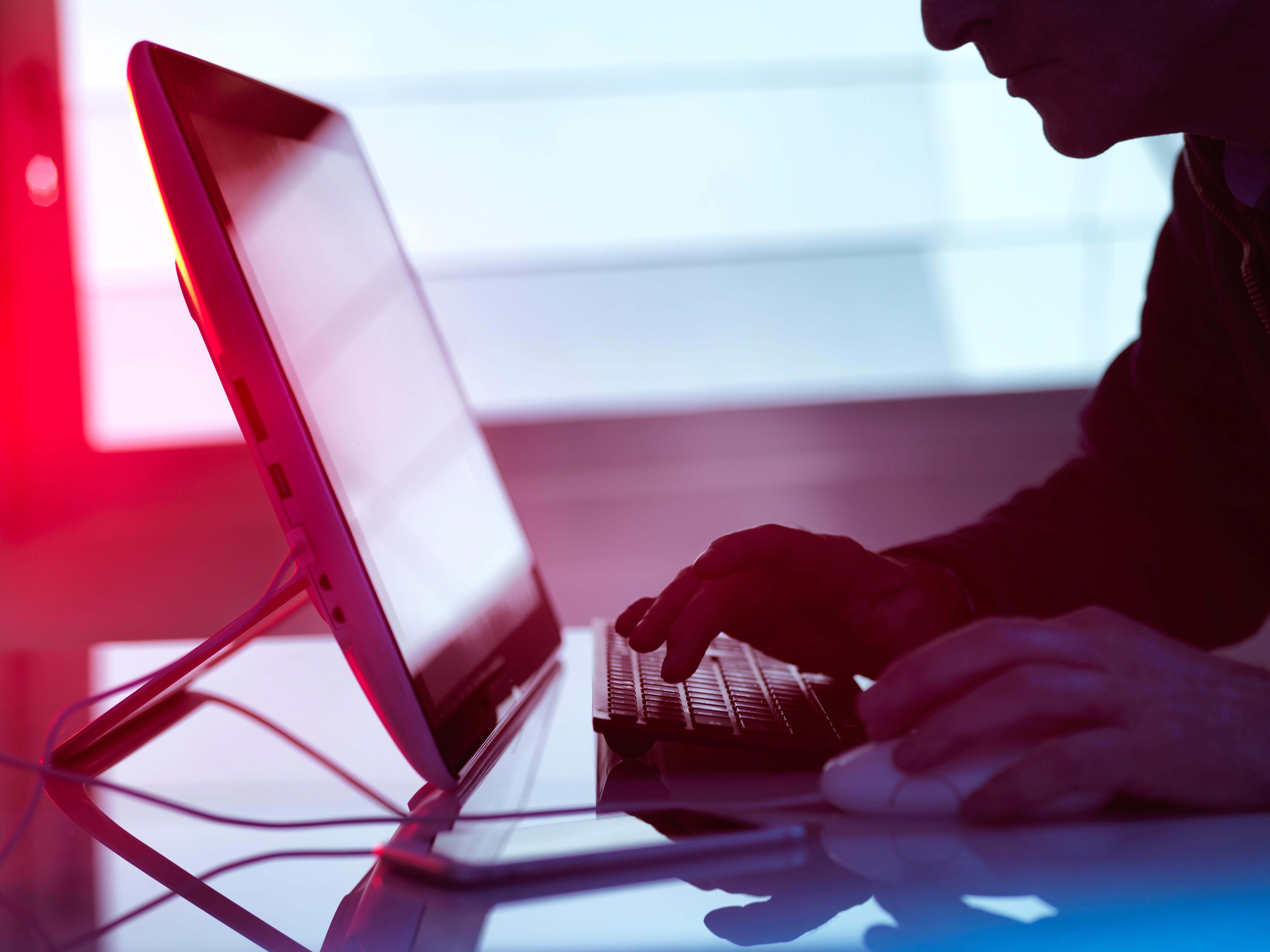 المتسللين يتجهون بشكل متزايد إلى البريد الإلكتروني الحيل الابتزاز (الأسهم)