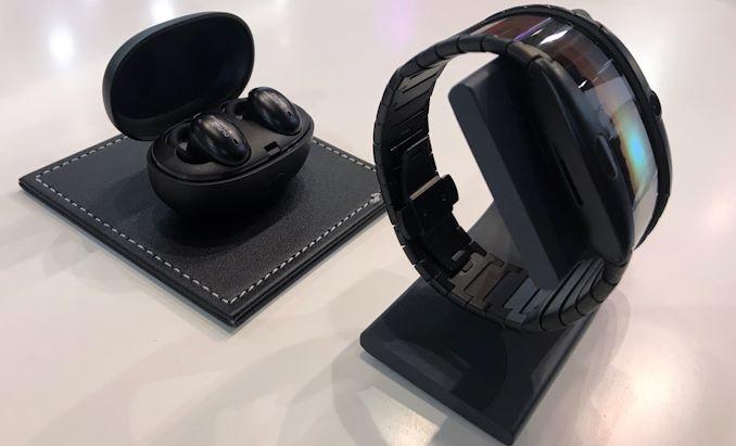 الهاتف الذكي OLED الذي يمكن ارتداؤه في متناول اليد بالقرب منك 3