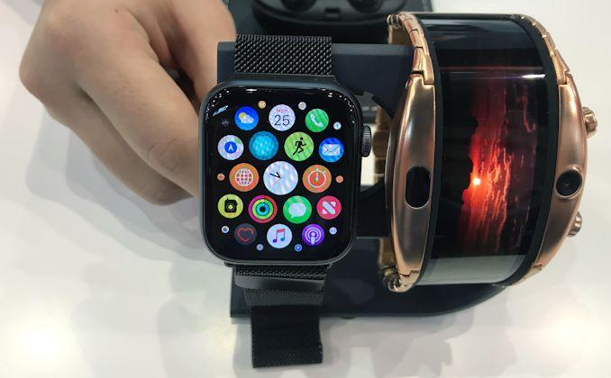 الهاتف الذكي OLED الذي يمكن ارتداؤه في متناول اليد بالقرب منك 4