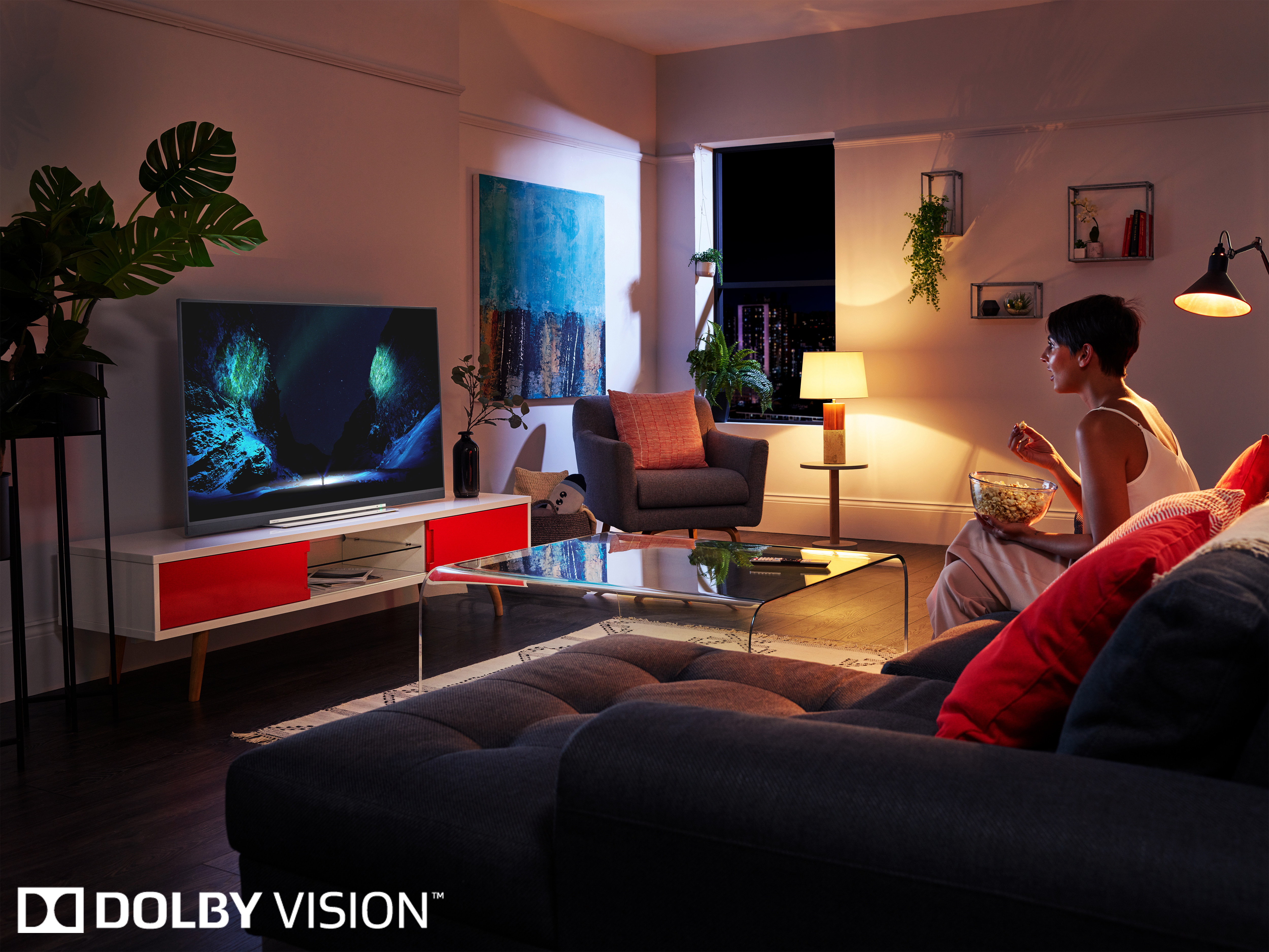 يمكنك التحكم في أجهزة التلفزيون من أي مكان في الغرفة باستخدام صوتك
