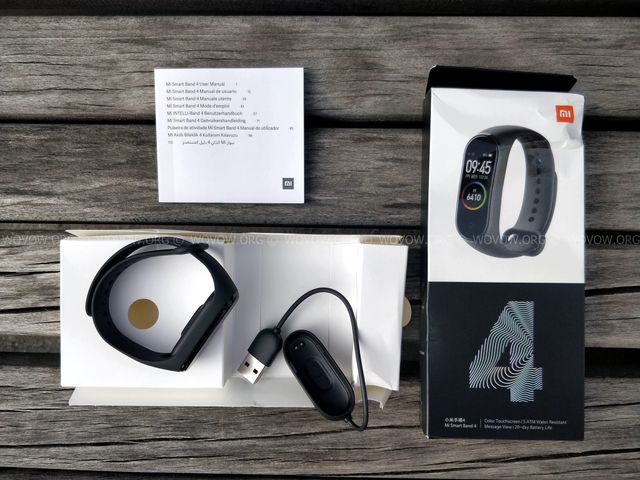 """Xiaomi Mi Band 4 REVIEW & Unboxing: Must-Have Gadget في 2019! """"width ="""" 640 """"height ="""" 480 """"srcset ="""" // www.wovow.org/wp-content/uploads/2019/08/xiaomi-mi -band-4-review-unboxing-2019-wovow.org-06.jpg 640w، //www.wovow.org/wp-content/uploads/2019/08/xiaomi-mi-band-4-review-unboxing- 2019-wovow.org-06-560x420.jpg 560w ، //www.wovow.org/wp-content/uploads/2019/08/xiaomi-mi-band-4-review-unboxing-2019-wovow.org-06 -80x60.jpg 80w ، //www.wovow.org/wp-content/uploads/2019/08/xiaomi-mi-band-4-review-unboxing-2019-wovow.org-06-100x75.jpg 100w، / /www.wovow.org/wp-content/uploads/2019/08/xiaomi-mi-band-4-review-unboxing-2019-wovow.org-06-180x135.jpg 180w، //www.wovow.org/ wp-content / uploads / 2019/08 / xiaomi-mi-band-4-review-unboxing-2019-wovow.org-06-238x178.jpg 238w، //www.wovow.org/wp-content/uploads/2019 /08/xiaomi-mi-band-4-review-unboxing-2019-wovow.org-06-24x18.jpg 24w، //www.wovow.org/wp-content/uploads/2019/08/xiaomi-mi- band-4-review-unboxing-2019-wovow.org-06-36x27.jpg 36w، //www.wovow.org/wp-content /uploads/2019/08/xiaomi-mi-band-4-review-unboxing-2019-wovow.org-06-48x36.jpg 48w """"sizes ="""" (أقصى عرض: 640 بكسل) 100 فولت ، 640 بكسل"""