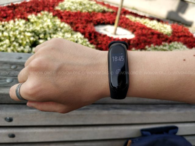 """Xiaomi Mi Band 4 REVIEW & Unboxing: Must-Have Gadget في 2019! """"width ="""" 640 """"height ="""" 480 """"srcset ="""" // www.wovow.org/wp-content/uploads/2019/08/xiaomi-mi -band-4-review-unboxing-2019-wovow.org-15.jpg 640w، //www.wovow.org/wp-content/uploads/2019/08/xiaomi-mi-band-4-review-unboxing- 2019-wovow.org-15-560x420.jpg 560w ، http://www.wovow.org/wp-content/uploads/2019/08/xiaomi-mi-band-4-review-unboxing-2019-wovow.org-15 -80x60.jpg 80w ، //www.wovow.org/wp-content/uploads/2019/08/xiaomi-mi-band-4-review-unboxing-2019-wovow.org-15-100x75.jpg 100w، / /www.wovow.org/wp-content/uploads/2019/08/xiaomi-mi-band-4-review-unboxing-2019-wovow.org-15-180x135.jpg 180w، //www.wovow.org/ wp-content / uploads / 2019/08 / xiaomi-mi-band-4-review-unboxing-2019-wovow.org-15-238x178.jpg 238w، //www.wovow.org/wp-content/uploads/2019 /08/xiaomi-mi-band-4-review-unboxing-2019-wovow.org-15-24x18.jpg 24w، //www.wovow.org/wp-content/uploads/2019/08/xiaomi-mi- band-4-review-unboxing-2019-wovow.org-15-36x27.jpg 36w، //www.wovow.org/wp-content /uploads/2019/08/xiaomi-mi-band-4-review-unboxing-2019-wovow.org-15-48x36.jpg 48w """"sizes ="""" (أقصى عرض: 640 بكسل) 100 فولت ، 640 بكسل"""