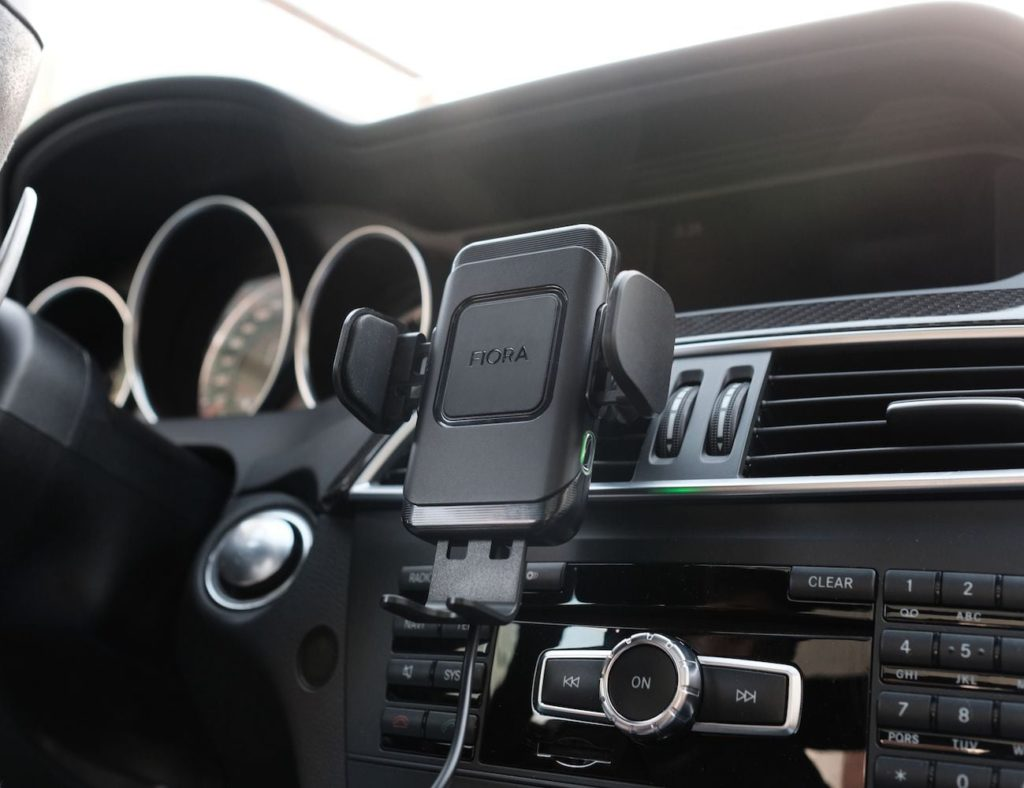 """شاحن السيارة اللاسلكية Fiora Ultimate """"aria -صفاتby ="""" gallery-5-359443"""
