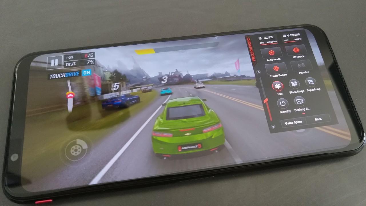 مراجعة Red Magic 3: يحتوي هاتف الألعاب هذا على اثنين من المعجبين الآن 8