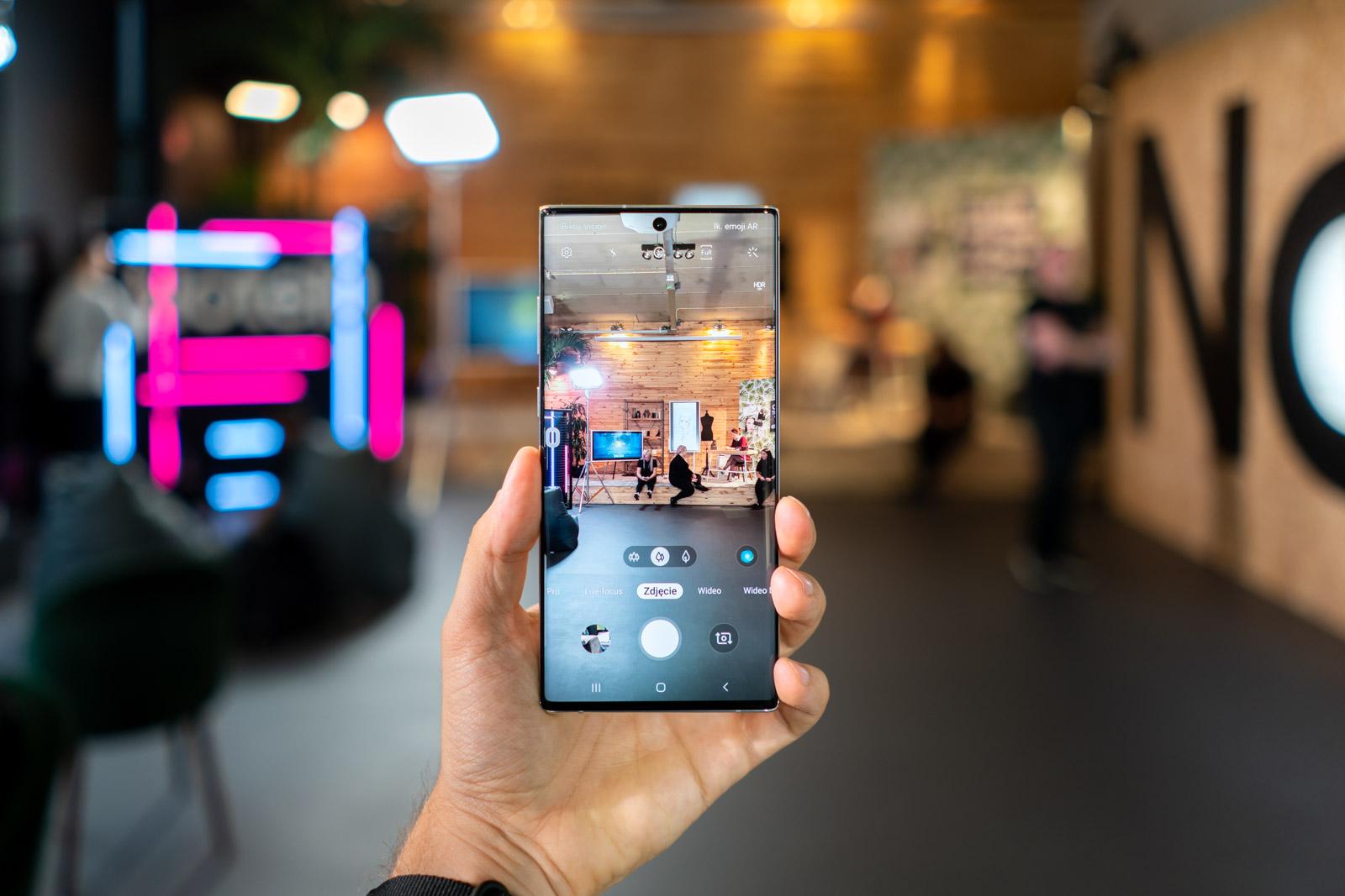سامسونج Galaxy Note  10+ مقابل بقية العالم 4