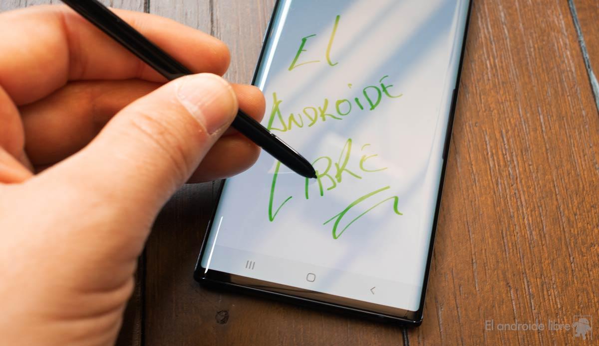 اختبرنا سامسونج Galaxy Note  10: أكثر قوة وأقل كبيرة