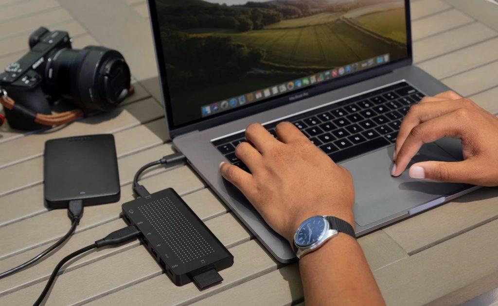 """كيف يمكن لمحور USB-C تغيير الطريقة التي تعمل بها نحو الأفضل - StayGo 01 """"aria-ووصفby ="""" gallery-7-359843"""