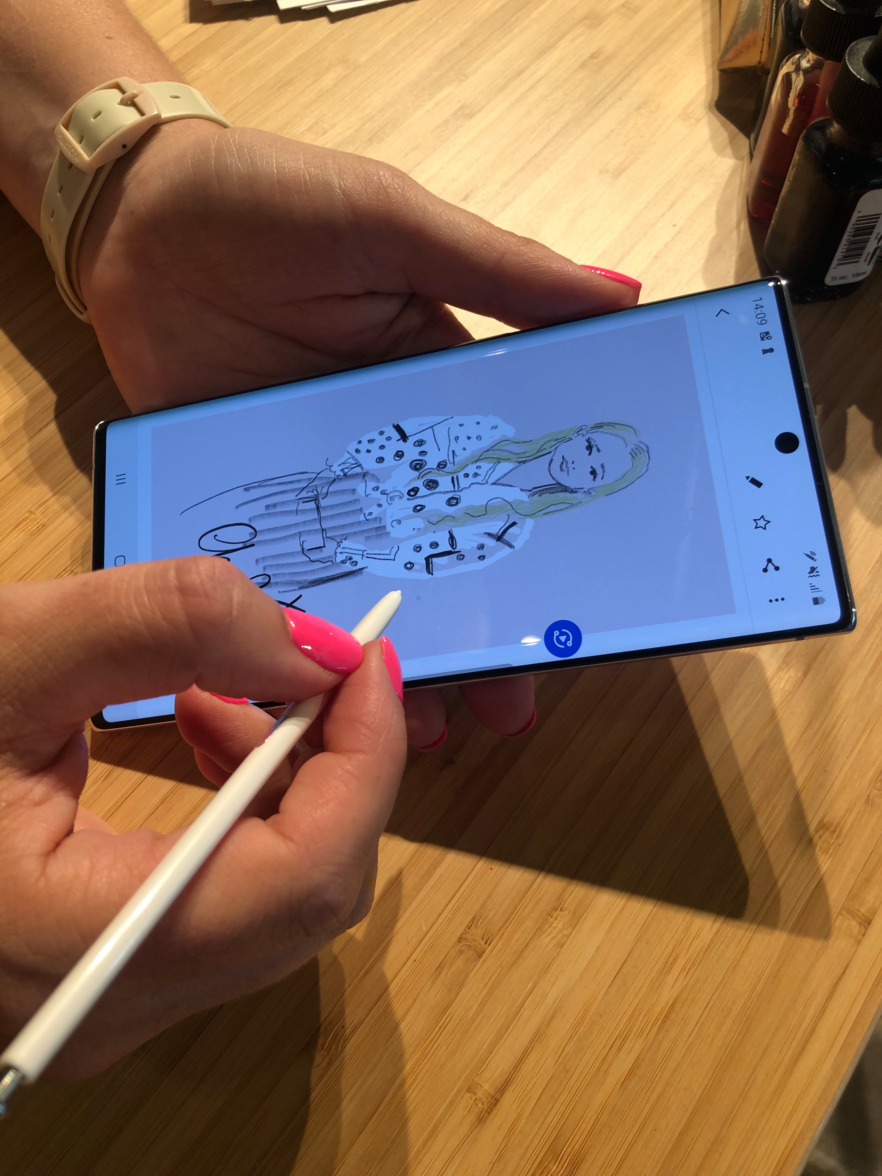 يمكن استخدام القلم للرسم المعقد