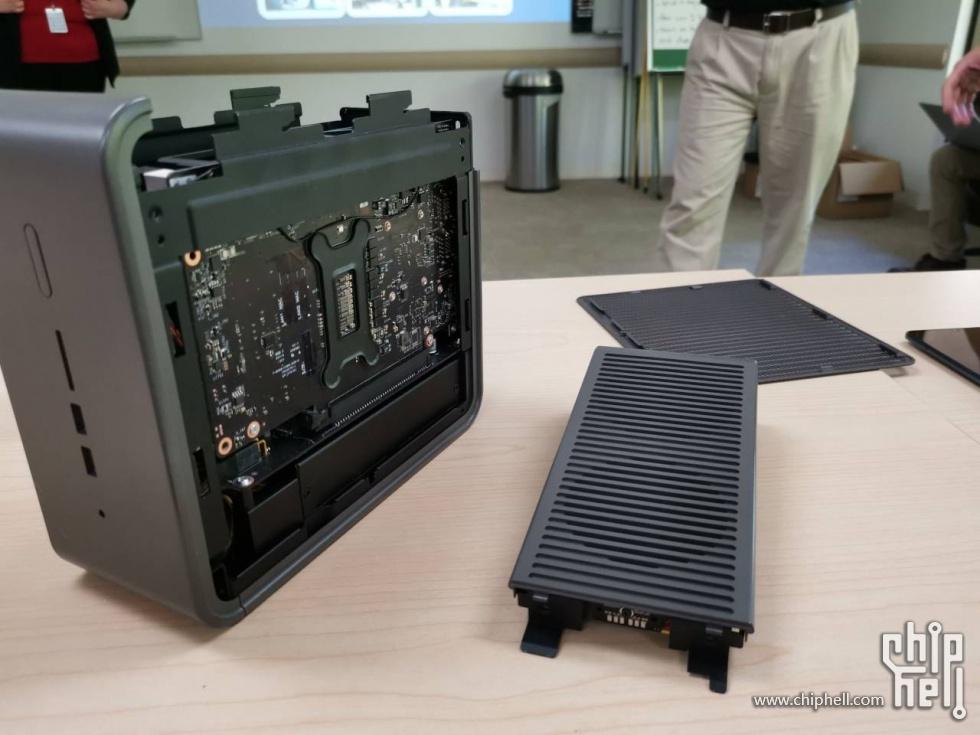 Canyon-NUC Quartz هي السلسلة الأولى من أجهزة الكمبيوتر المصغرة Intel Xeon 1