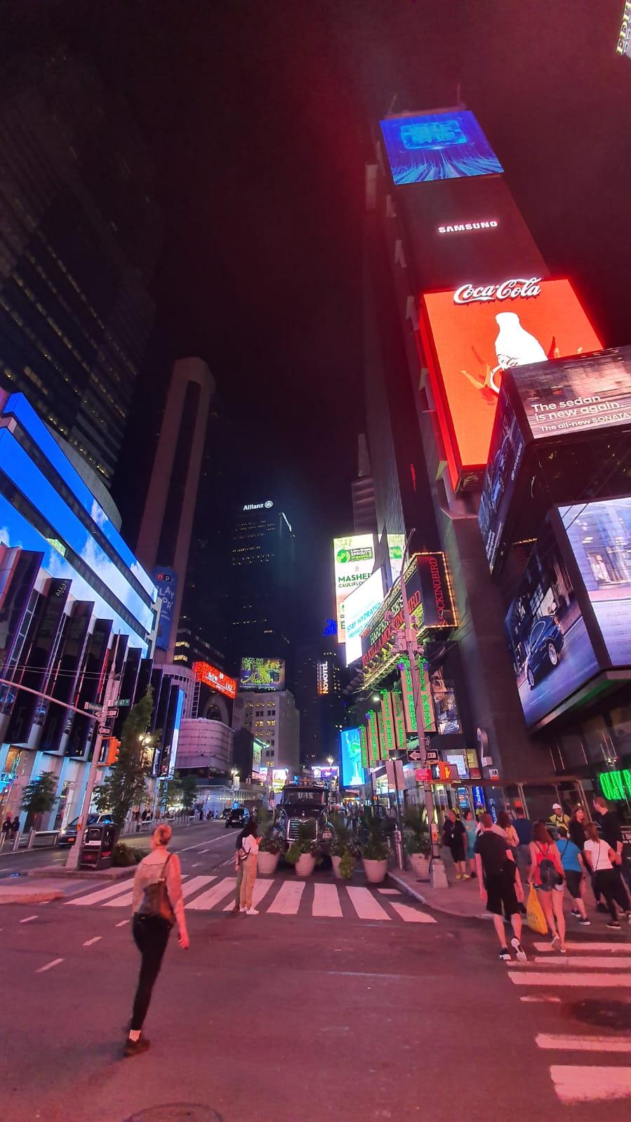 الصورة: هذه هي الطريقة التي تلتقط بها سامسونج الجديدة الصور Galaxy Note10 +! + الصور الليلية والفيديو 23