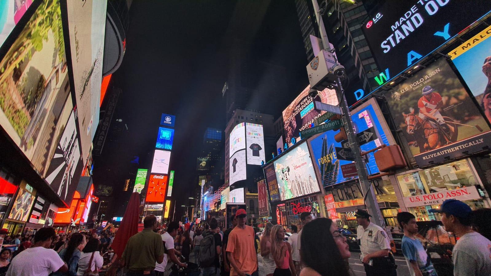 الصورة: هذه هي الطريقة التي تلتقط بها سامسونج الجديدة الصور Galaxy Note10 +! + الصور الليلية والفيديو 24