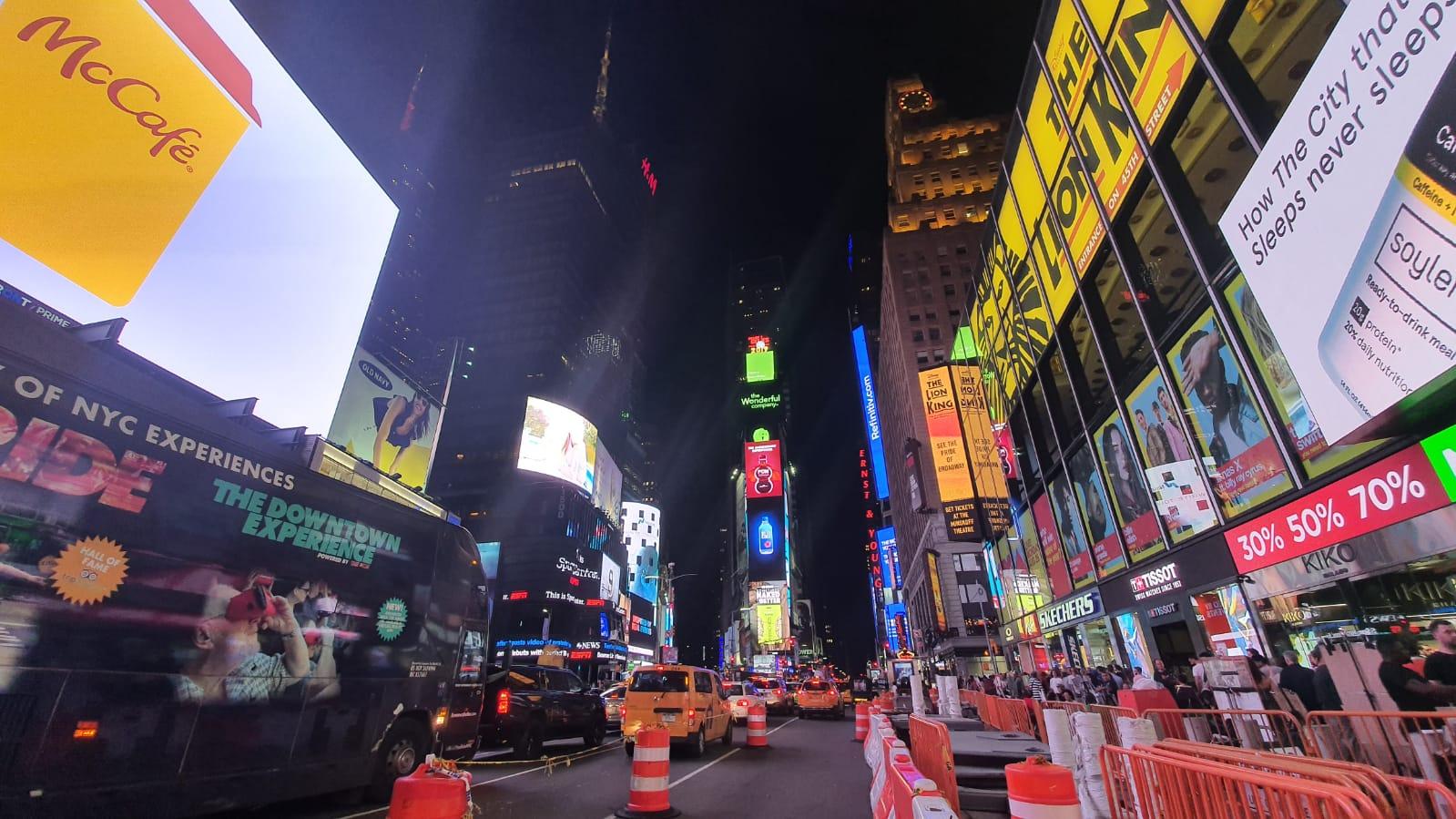 الصورة: هذه هي الطريقة التي تلتقط بها سامسونج الجديدة الصور Galaxy Note10 +! + الصور الليلية والفيديو 26