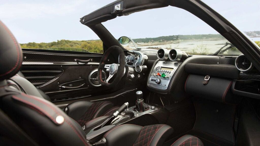 السيارة الأكثر تميزا في العالم؟ سيارة رياضية تكلف ملايين يورو 2