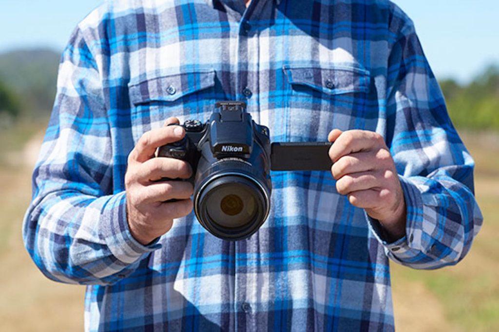 ما هو أفضل كاميرا السفر 2019 - نيكون COOLPIX P1000 02