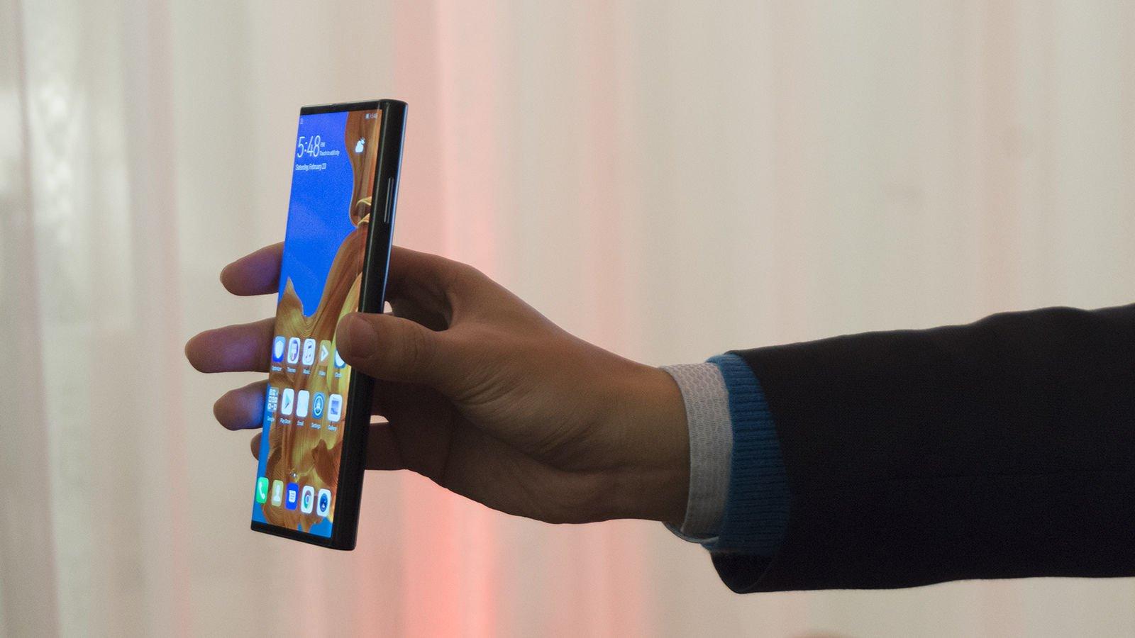 Huawei Mate X: النظرة الأولى 1