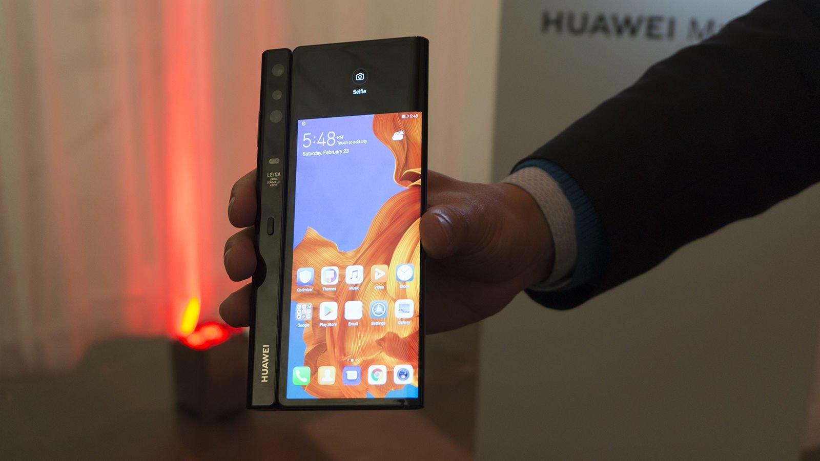 Huawei Mate X: النظرة الأولى 3