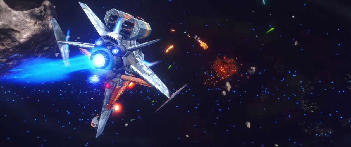 يصطف اللاعب في سفينة رفيعة المستوى ، خمسة أجنحة لكل منها قوة دفع متعددة المواقف. السفينة المستهدفة تحترق في المسافة. المعركة تجري في حقل كويكب.