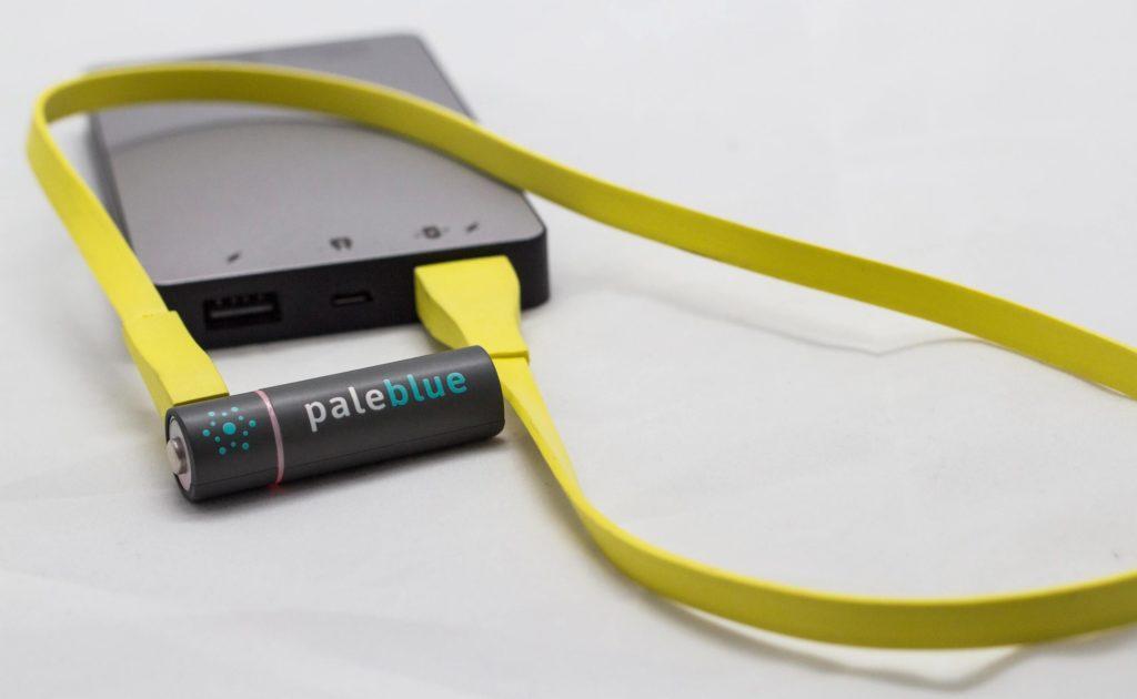 شاحب أزرق USB قابلة للشحن البطاريات