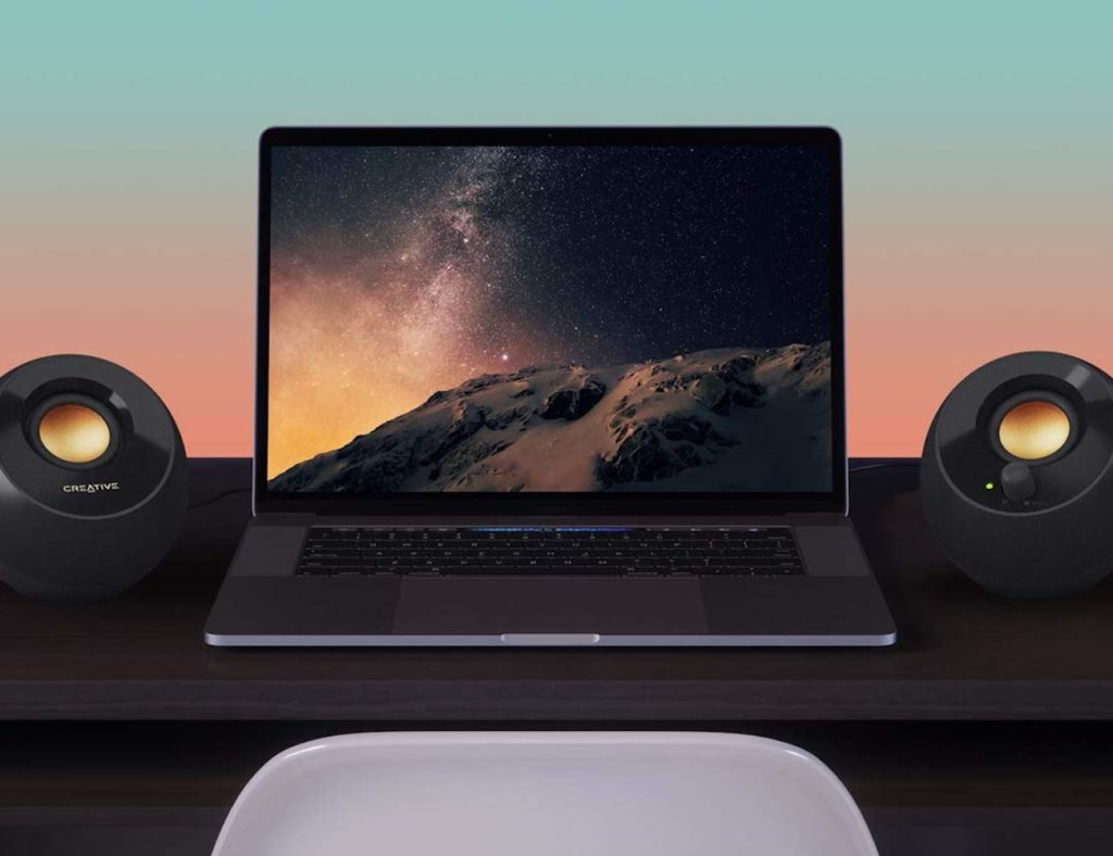 مكبرات صوت سطح المكتب الخاصة بـ Pebble Plus المزودة بـ USB