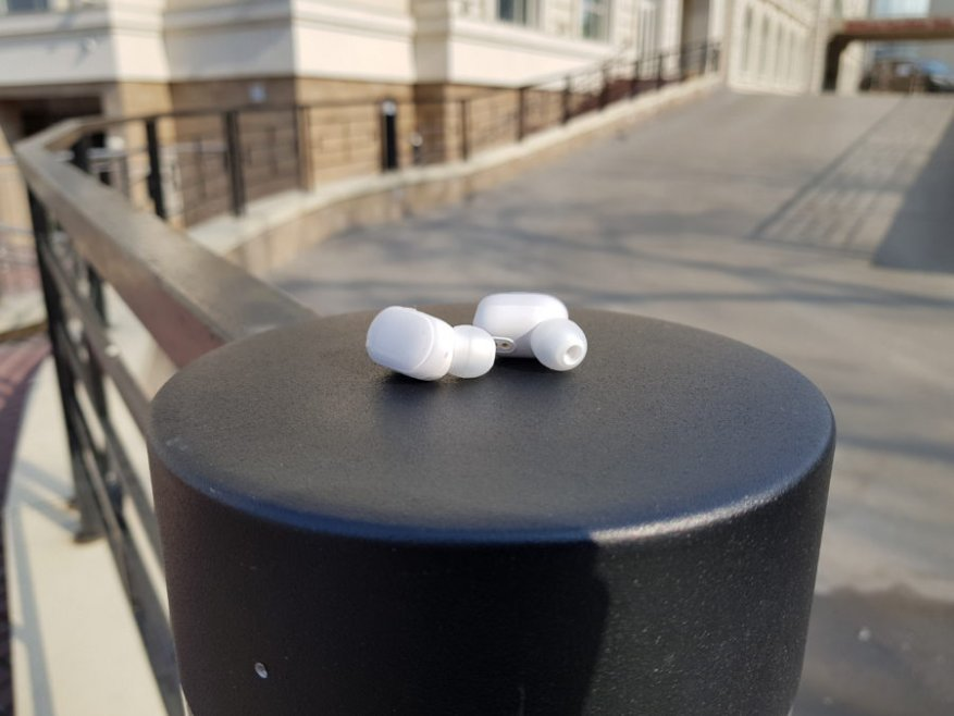 سماعات رأس لاسلكية مع Aliexpress: مراجعة سماعة Xiaomi Mi AirDots 10
