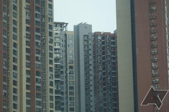 داخل Huawei: من قرية أوروبية في الصين إلى مصنع للهواتف الذكية 4