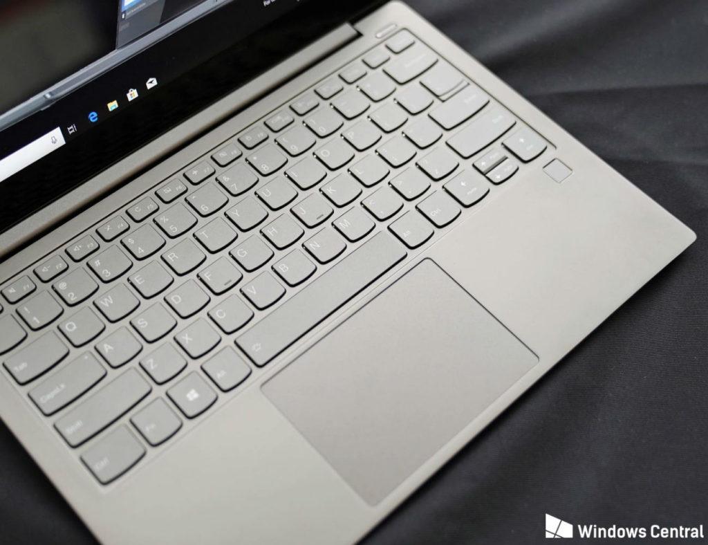 أفضل أجهزة الكمبيوتر المحمولة التي يمكنك شراؤها في 2019 - Lenovo Yoga S730 01