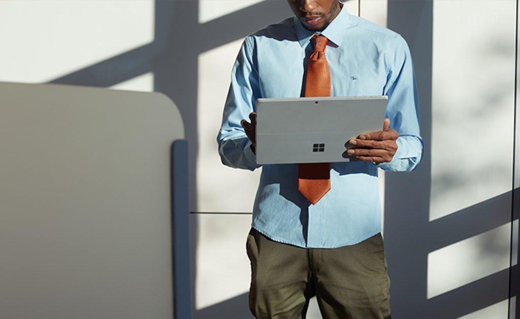 أفضل أجهزة الكمبيوتر المحمولة العاملة التي يمكنك شراؤها في 2019 - Microsoft Surface Pro 02