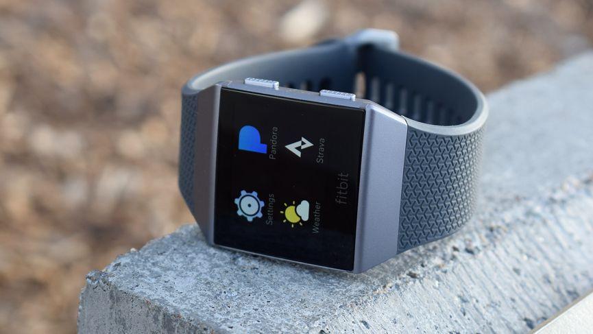 الصفقة: The Fitbit Ionic يرى انخفاض كبير في الأسعار Amazon بيع الصيف في المملكة المتحدة