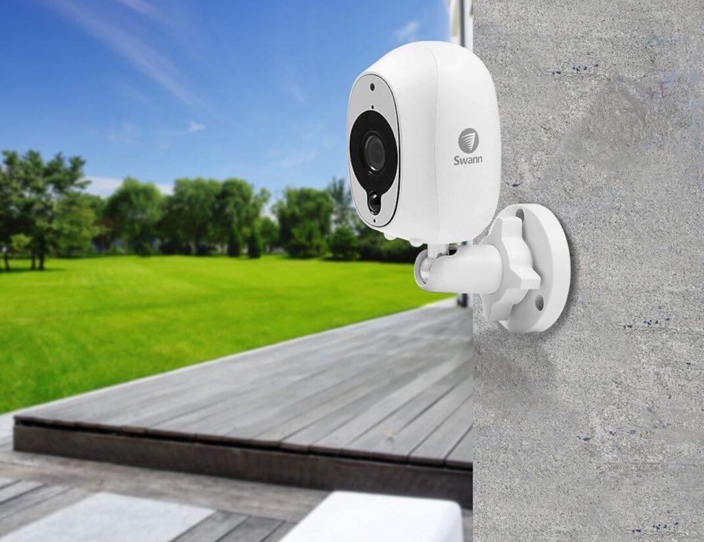 الكاميرات الأمنية HD المفضلة لدينا لمراقبة منزلك - Swann 01 لدينا كاميرات الأمن HD المفضلة لديك لمراقبة منزلك