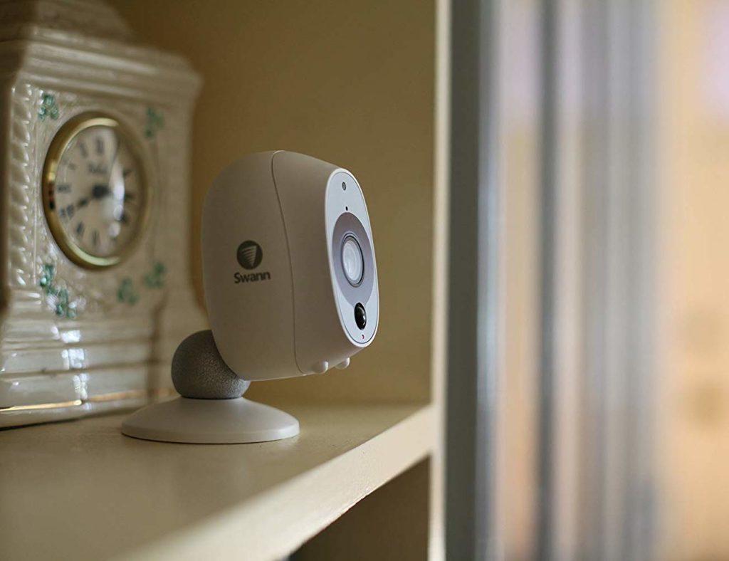 الكاميرات الأمنية HD المفضلة لدينا لمراقبة منزلك - Swann 02 لدينا كاميرات الأمن HD المفضلة لديك لمراقبة منزلك