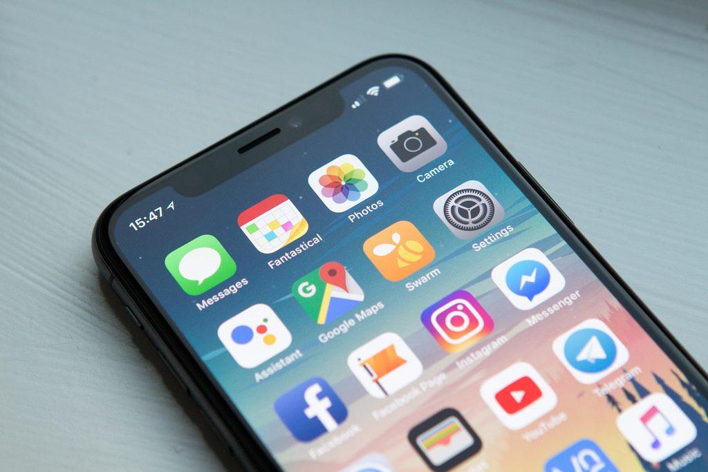يرى محلل مبيعات مخيبة للآمال لجهاز iPhone الجديد لهذا العام 2