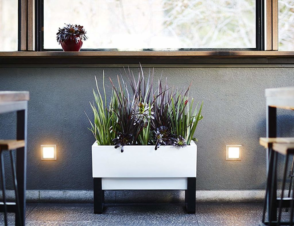 "صندوق زارع Glowpear Urban Garden Self-Watering ""aria-ووصفby ="" gallery-5-363096"