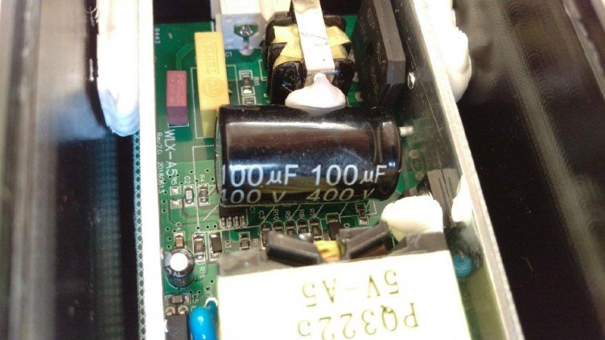 شاحن USB شاحن لمدة 20 منفذ USB. 12