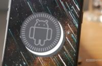 Pricebaba /OnLeaks لقد كان لدينا بالفعل نظرة خاطفة على ما قد يكون OnePlus 7T ، ويبدو أن هناك الكثير من القواسم المشتركة مع OnePlus 7 (والتي بدورها كان لها الكثير من القواسم المشتركة مع OnePlus 6T). الآن ، ربما تكون مواصفات الهاتف قد تسربت للتو ، ويبدو أنها ترقية كبيرة إلى حد كبير بعدة طرق.المواصفات المزعومة تأتي من خلال الوشاة بالإصبع غزير الإنتاج Ishan Agarwal Twitterالمطالبة بمعالج Snapdragon 855 Plus وذاكرة وصول عشوائي تبلغ 8 جيجابايت وذاكرة تخزين 128 جيجابايت إلى 256 جيجابايت وبطارية 3،800 مللي أمبير في الساعة.# OnePlus7T و 7T Pro يُطلقان في 26 سبتمبر في Delhi الكاميرا ، أمامية بدقة 16 ميجابكسل ، 960 إطارًا في الثانية بسرعة 10 ثوانٍ. SlowMo ، فيديو بزاوية عريضة و Nightscape pic.twitter.com/0LWK8uLcG9 - إيشان أغاروال (@ ishanagarwal24) 29 أغسطس 2019قد تكون الشاشة هي أكبر ترقية ، حيث تميل الشركة إلى تقديم شاشة QHD + Super AMOLED مقاس 6.55 بوصة بمعدل تحديث قدره 90 هرتز. يبدو أن شاشة الهاتف لديها درجة ، ولكن معدل التحديث والدقة يضعها على قدم المساواة مع OnePlus 7 Pro.اختيار المحررThe OnePlus TV: كل الشائعات في مكان واحد (تم التحديث في 23 أغسطس) التحديث ، 23 آب (أغسطس) 2019 (2:30 مساءً بتوقيت شرق الولايات المتحدة): هناك مزيد من المعلومات حول لوحة شاشة تلفزيون OnePlus والمواصفات الداخلية. تحقق من المادة أدناه لمعرفة المزيد! المقال الأصلي: عرفنا مرة أخرى حتى قبل الإصدار ...وأظهرت التسريبات السابقة أيضًا إعدادًا ثلاثيًا للكاميرا الخلفية ، ويعتقد الآن أن OnePlus 7T سيوفر كاميرا ثلاثية الأبعاد بدقة 48 ميجابكسل + 12 ميجابكسل + 16 ميجابكسل. تم تعيين واحدة من الكاميرات لتكون مطلق النار زاوية واسعة جدا (يفترض أن الكاميرا 16MP). لا توجد أي كلمة إذا كان المستشعر الثالث عبارة عن عدسة تليفوتوغرافيّة ، لكنه سيوفر أكبر قدر من المرونة. يلاحظ Agarwal أيضًا أن الهاتف سوف يوفر 960 قدمًا في الثانية حركة بطيئة للغاية ، ولكن من المحتمل أن يكون هذا محرفًا. بعد كل شيء ، لا تحتوي مستشعرات 48 ميجابكسل على درام فائق السرعة يحتاج إلى 960 إطارًا في الثانية. أخيرًا ، يلاحظ الراكب إطلاق 26 سبتمبر لطراز OnePlus 7T و Pro في الهند. يتماشى ذلك مع مطالبة سابقة من قبل زميله في الطبق ماكس جيه. هل ستشتري 