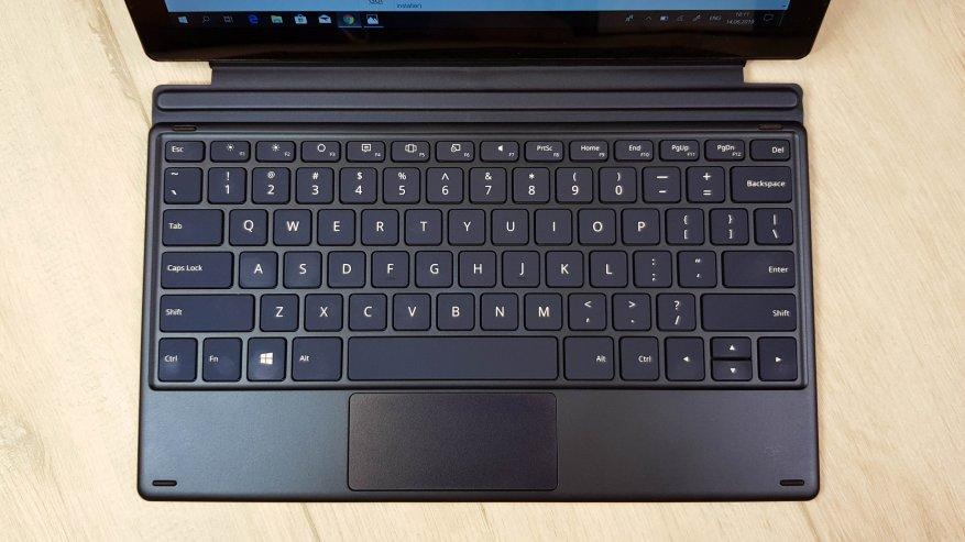 Teclast X4: مراجعة كمبيوتر لوحي قوي على بحيرة الجوزاء مع لوحة مفاتيح إضافية وذاكرة وصول عشوائي بسعة 8 جيجابايت و SSD 19