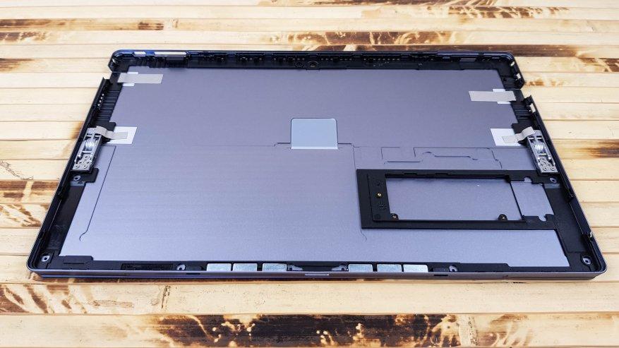 Teclast X4: مراجعة كمبيوتر لوحي قوي على بحيرة الجوزاء مع لوحة مفاتيح إضافية وذاكرة وصول عشوائي بسعة 8 جيجابايت و SSD 31