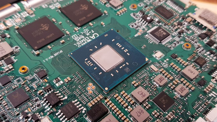 Teclast X4: مراجعة كمبيوتر لوحي قوي على بحيرة الجوزاء مع لوحة مفاتيح إضافية وذاكرة وصول عشوائي بسعة 8 جيجابايت و SSD 37