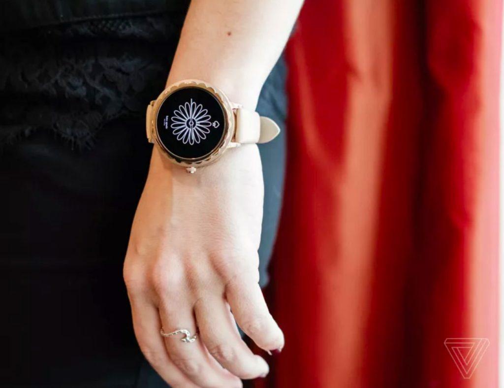 """أفضل تصميمات ساعة ذكية بسيطة لعام 2019 - Kate Spade Scallop 2 03 0 """"aria-ووصفby ="""" gallery-14-363463"""