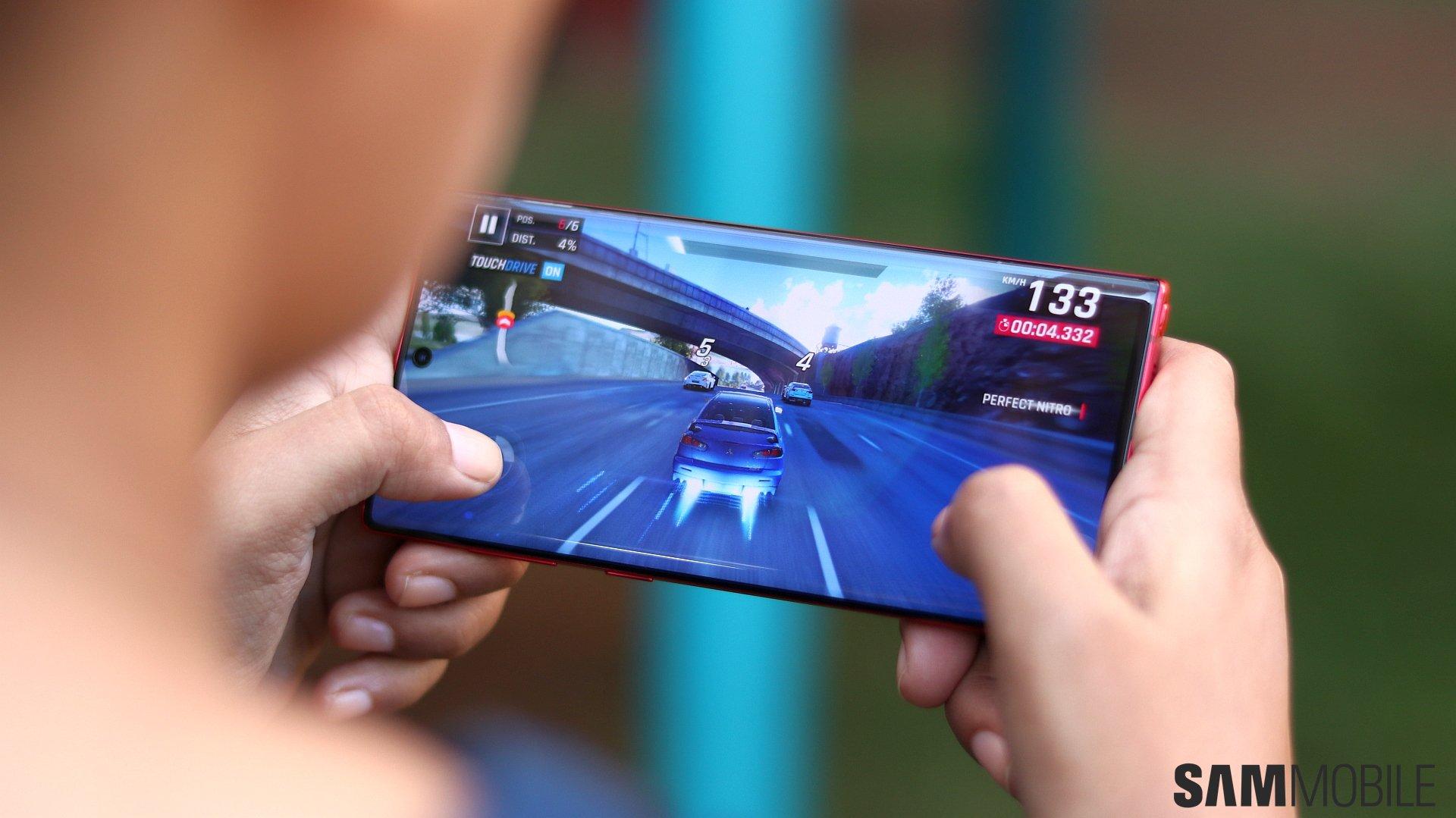 سامسونج Galaxy Note  10 مراجعة: مضغوط Note بالنسبة لأولئك الذين يريدون واحد 3
