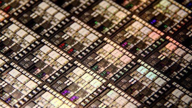 Cerebras Systems تكشف النقاب عن 1.2 ترليون ترانزستور رقاقة مقياس لمعالج الذكاء الاصطناعى 1
