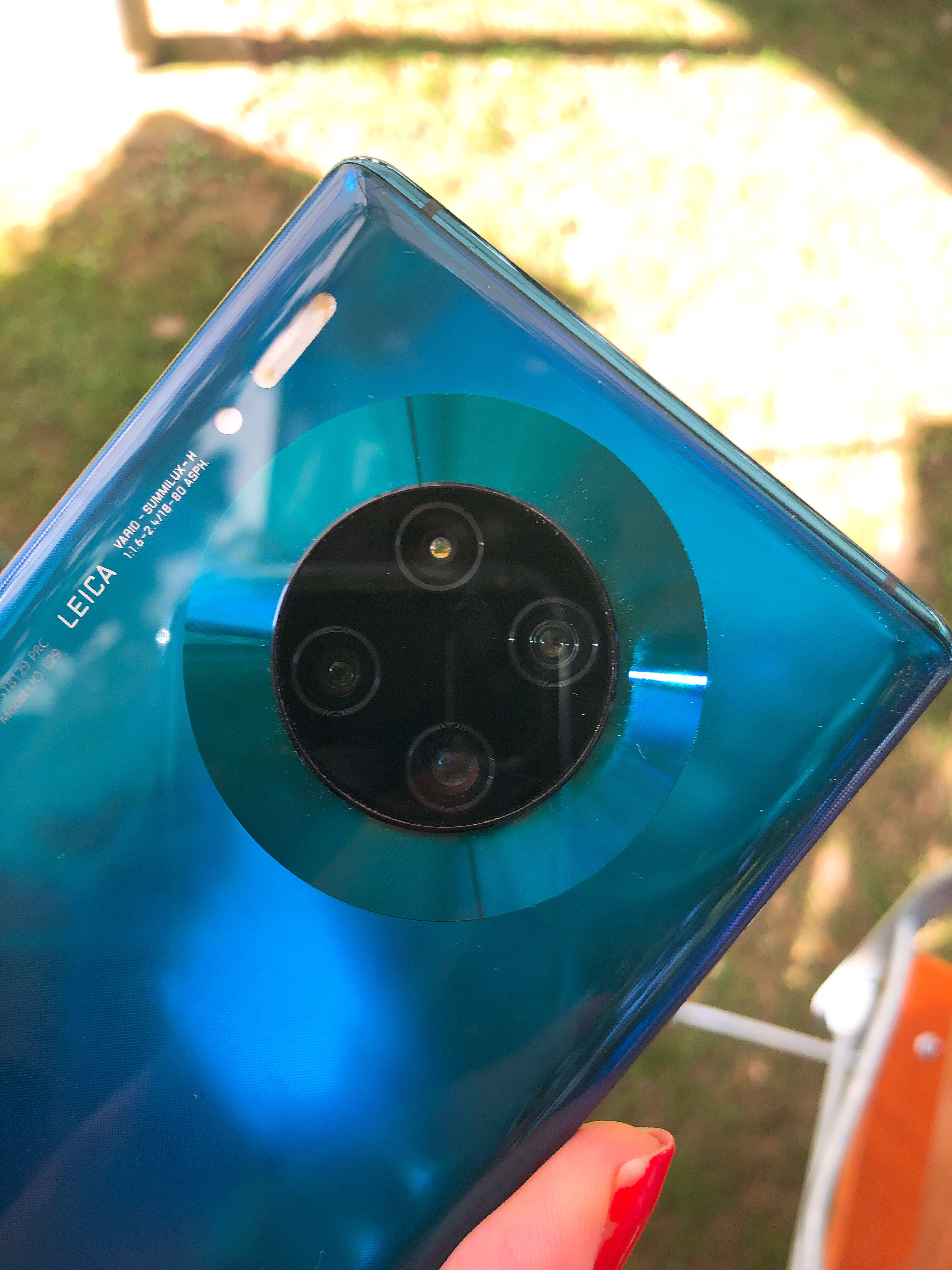 الكاميرا سلسلة Mate 30 رائعة للغاية