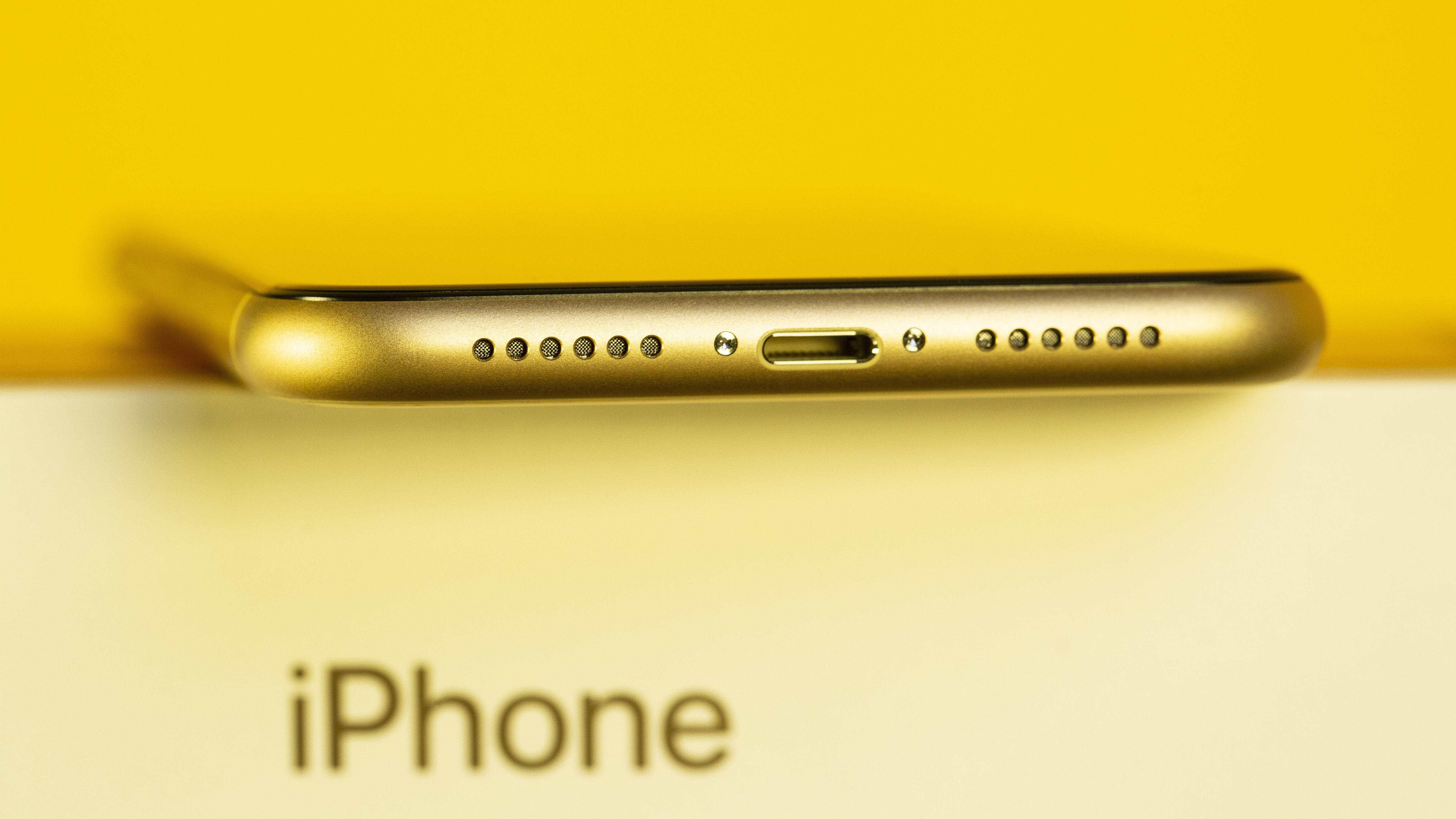 لا تتوقع أن يكون لدى iPhone 2019 منافذ USB-C 1