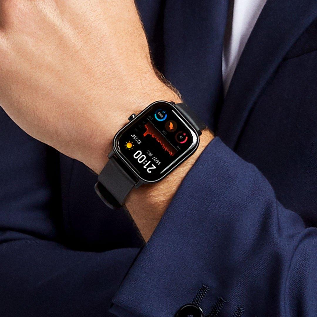 هوامي Amazfit GTS Smartwatch مراجعة ، السعر والمواصفات 1